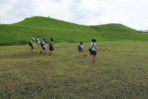 歩測で墳丘長を調査